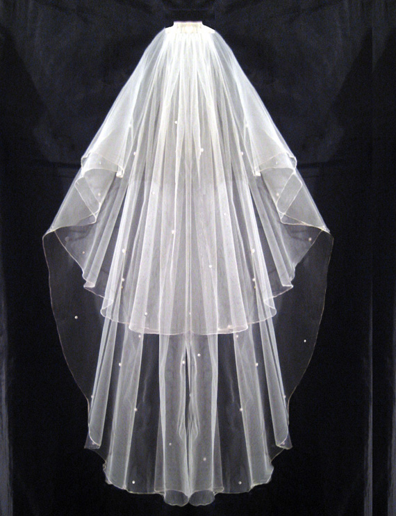2 Tier Ivory Bridal Wedding Veil with Comb Pearls
